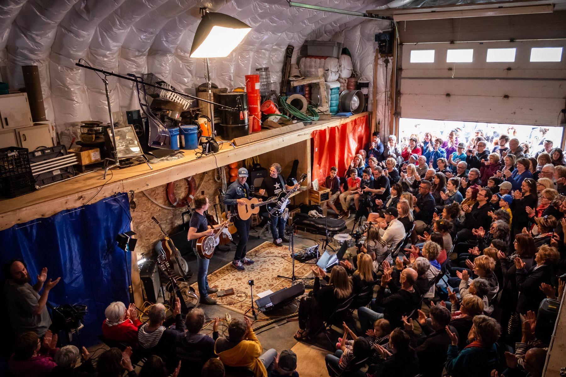 La saison complète des sessions Dans l'shed à Léon maintenant disponible!